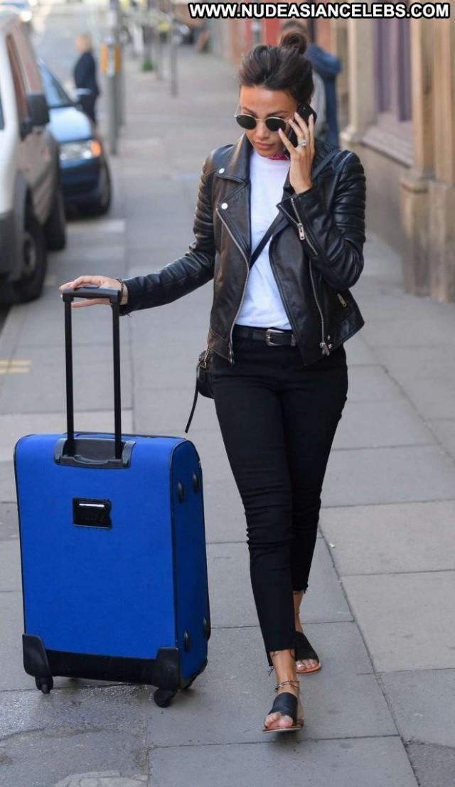 Michelle Keegan No Source Paparazzi Train Celebrity Beautiful Posing