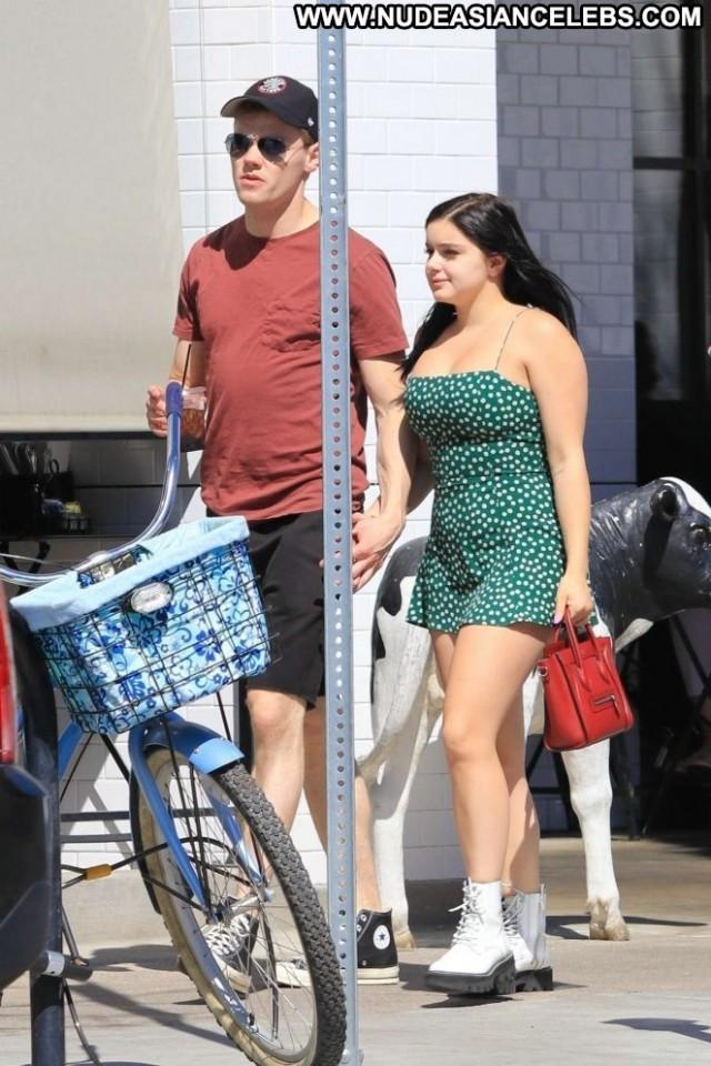 Ariel Winter Studio City Beautiful Celebrity Boyfriend Shopping