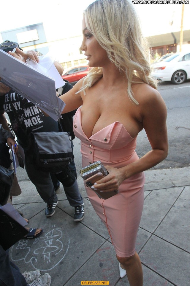Lindsey Pelas No Source Posing Hot Beautiful Babe Celebrity Sexy