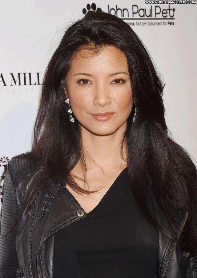 Kelly Hu No Source Ranch Beautiful Babe Celebrity Paparazzi Posing Hot