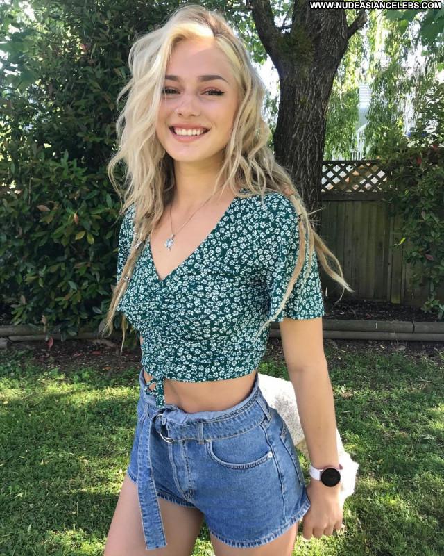 Georgia Ellenwood No Source Sexy Beautiful Babe Posing Hot Celebrity