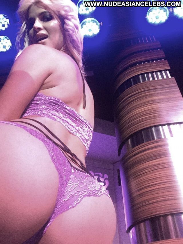 Micaela Schaefer No Source Posing Hot Nude Actress German Public