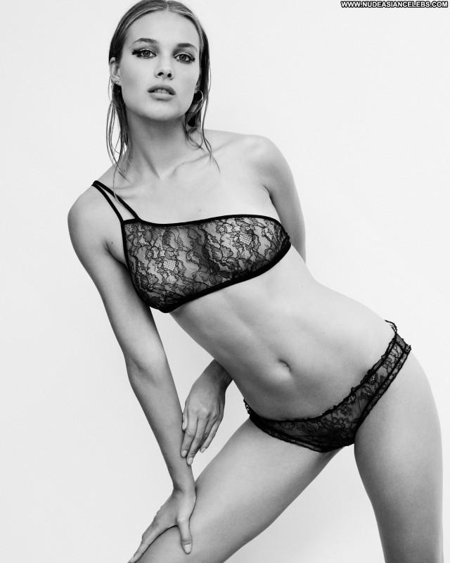 Rozanne Verduin Paul Bellaart Photo Shoot Posing Hot Facebook