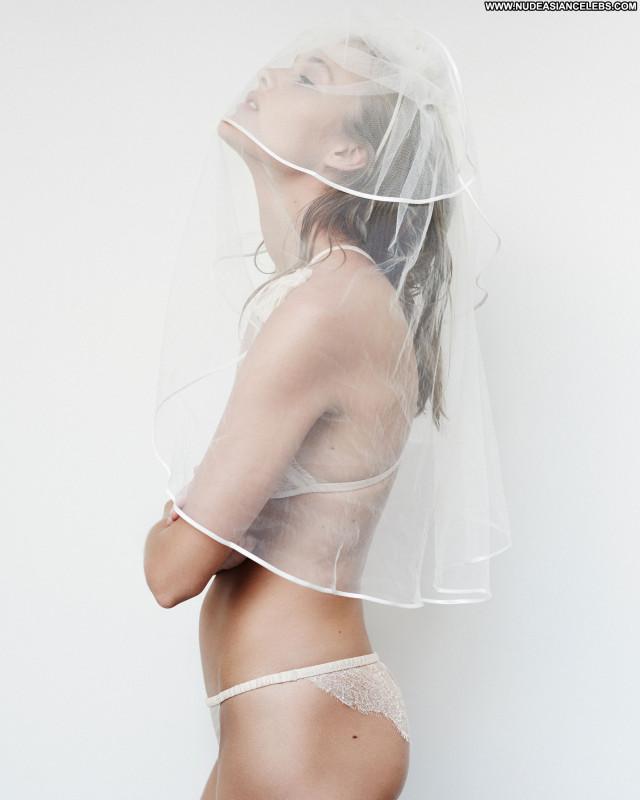 Rozanne Verduin Paul Bellaart Photo Shoot Twitter Facebook Hot