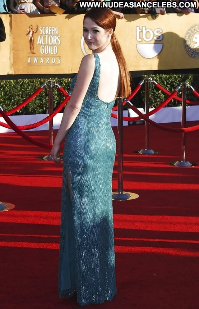 Ellie Kemper No Source Babe Posing Hot Celebrity Beautiful